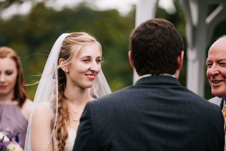 29 adventurous-fun-natural-wedding-photographer-salem-cross-inn-boston-massachusetts-andrea-van-orsouw-photography.jpg