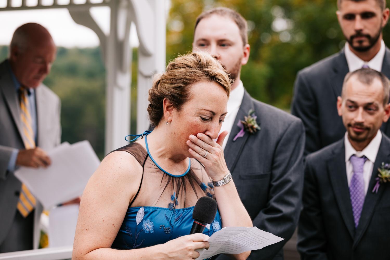 31 adventurous-fun-natural-wedding-photographer-salem-cross-inn-boston-massachusetts-andrea-van-orsouw-photography.jpg