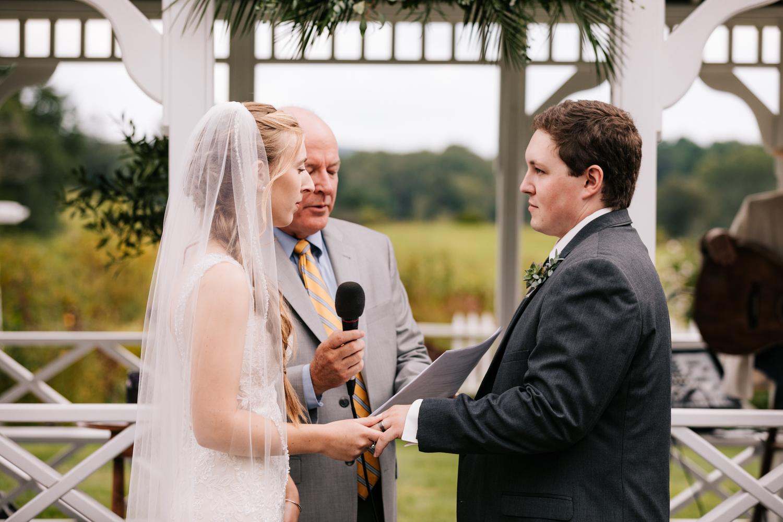 33 adventurous-fun-natural-wedding-photographer-salem-cross-inn-boston-massachusetts-andrea-van-orsouw-photography.jpg