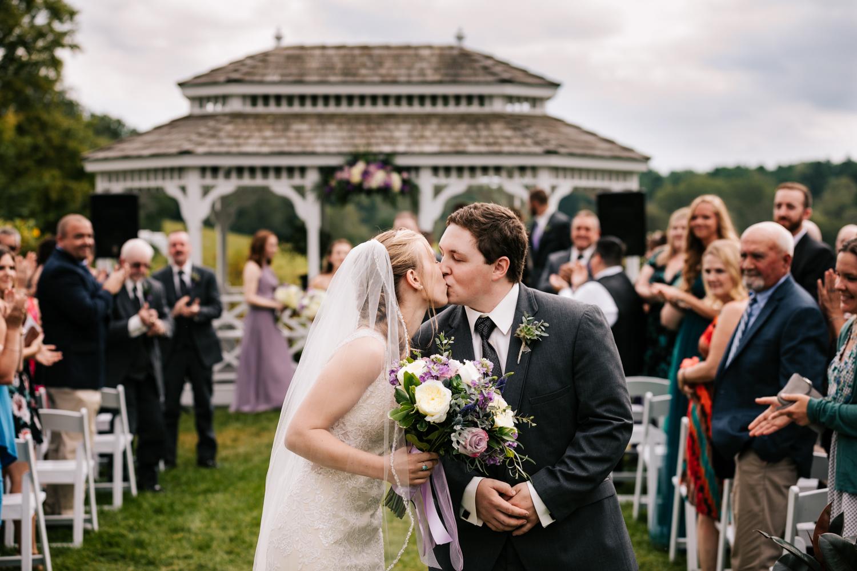 36 adventurous-fun-natural-wedding-photographer-salem-cross-inn-boston-massachusetts-andrea-van-orsouw-photography.jpg