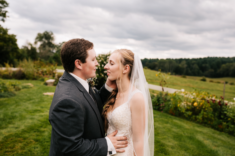 44 adventurous-fun-natural-wedding-photographer-salem-cross-inn-boston-massachusetts-andrea-van-orsouw-photography.jpg