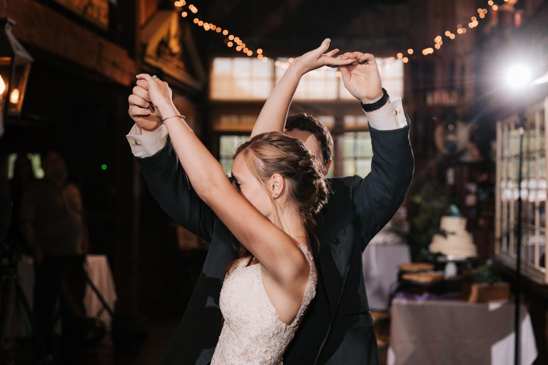 51 adventurous-fun-natural-wedding-photographer-salem-cross-inn-boston-massachusetts-andrea-van-orsouw-photography.jpg