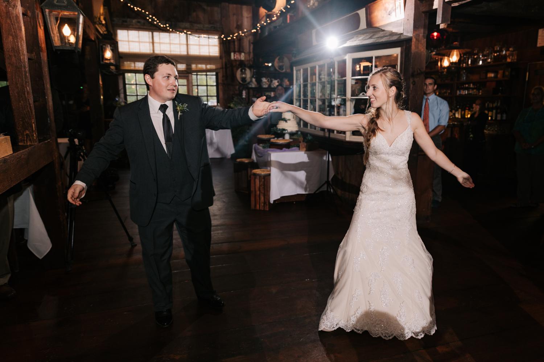 52 adventurous-fun-natural-wedding-photographer-salem-cross-inn-boston-massachusetts-andrea-van-orsouw-photography.jpg