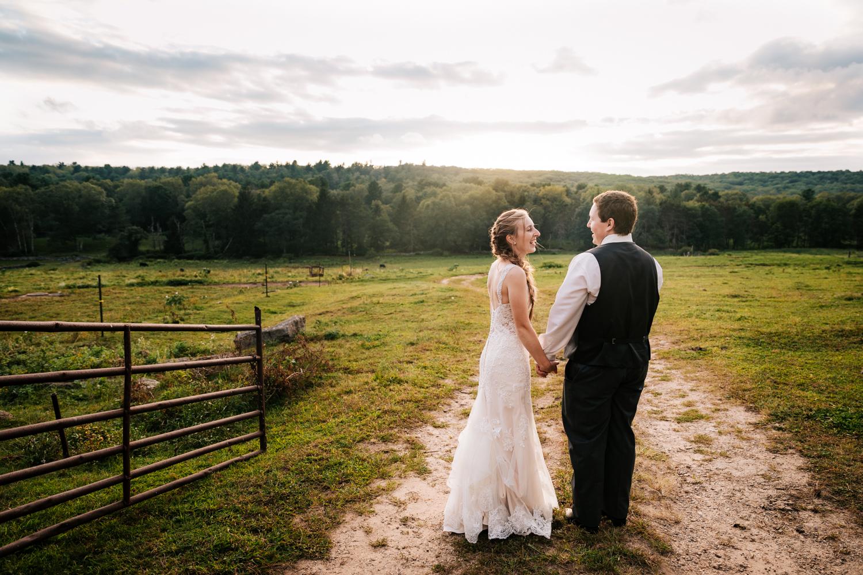 58 adventurous-fun-natural-wedding-photographer-salem-cross-inn-boston-massachusetts-andrea-van-orsouw-photography.jpg