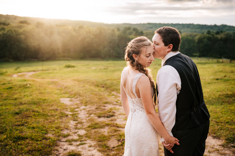 59 adventurous-fun-natural-wedding-photographer-salem-cross-inn-boston-massachusetts-andrea-van-orsouw-photography.jpg
