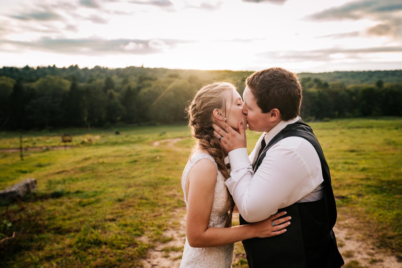 60 adventurous-fun-natural-wedding-photographer-salem-cross-inn-boston-massachusetts-andrea-van-orsouw-photography.jpg