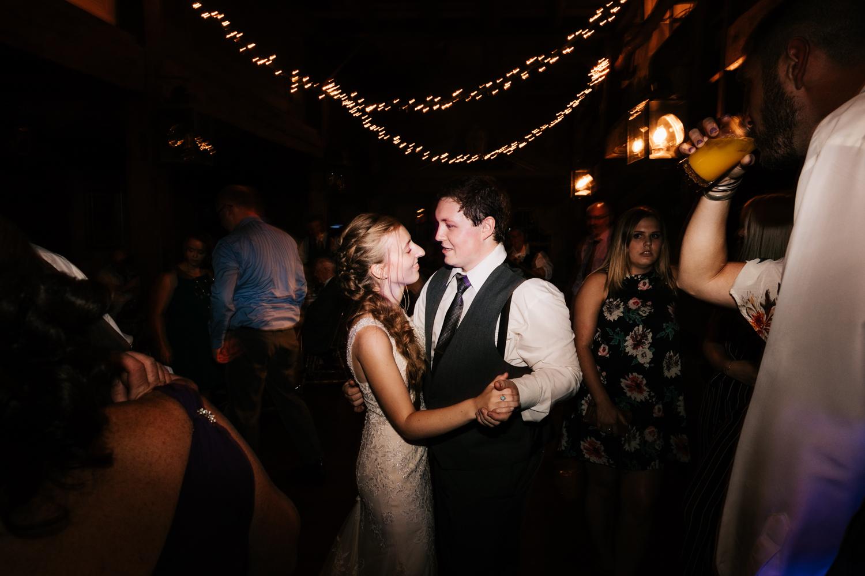 77 adventurous-fun-natural-wedding-photographer-salem-cross-inn-boston-massachusetts-andrea-van-orsouw-photography.jpg