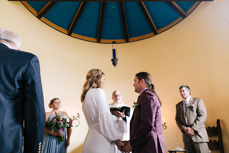 3. indie-wedding-dublin-new-hampshire-fun-natural-photographer-adventurous-andrea-van-orsouw-photography-14.jpg