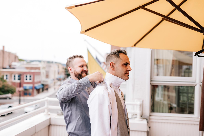 1.albuquerque-el-paso-fun-wedding-photographer-natural-boston-whately-adventurous-photographer-andrea-van-orsouw-photography-7.jpg