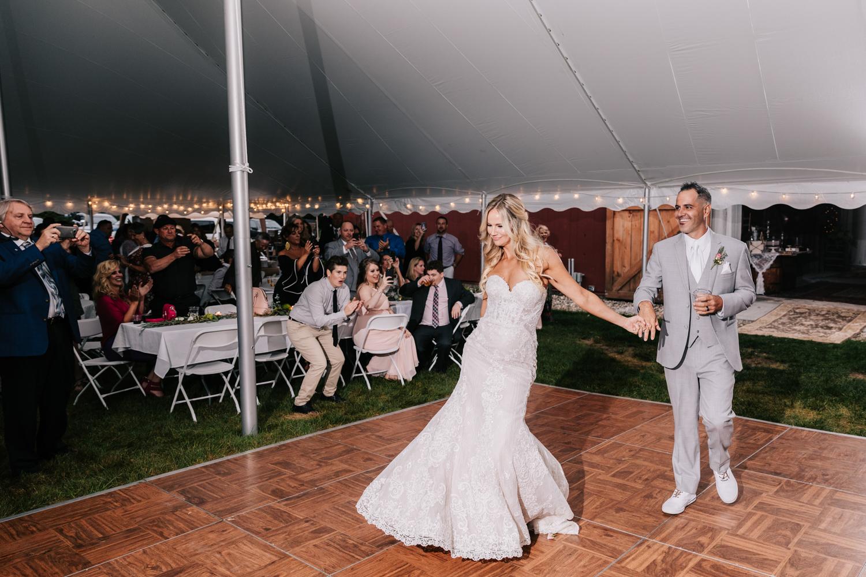 5. whately-massachusetts-fun-wedding-photographer-andrea-van-orsouw-photography-albuquerque-natural-photographer-el-paso-fun-1.jpg