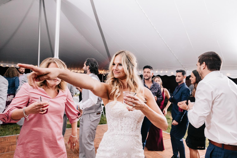 5. whately-massachusetts-fun-wedding-photographer-andrea-van-orsouw-photography-albuquerque-natural-photographer-el-paso-fun-21.jpg