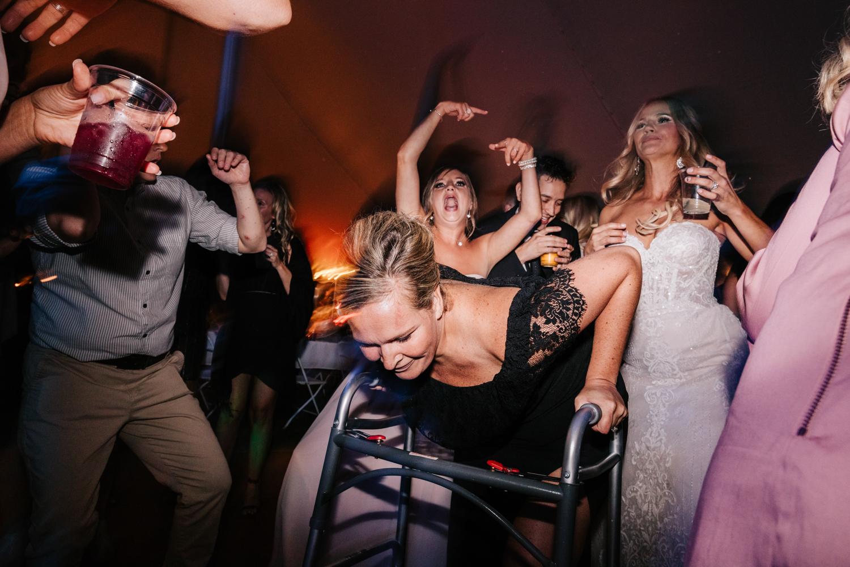 5. whately-massachusetts-fun-wedding-photographer-andrea-van-orsouw-photography-albuquerque-natural-photographer-el-paso-fun-22.jpg
