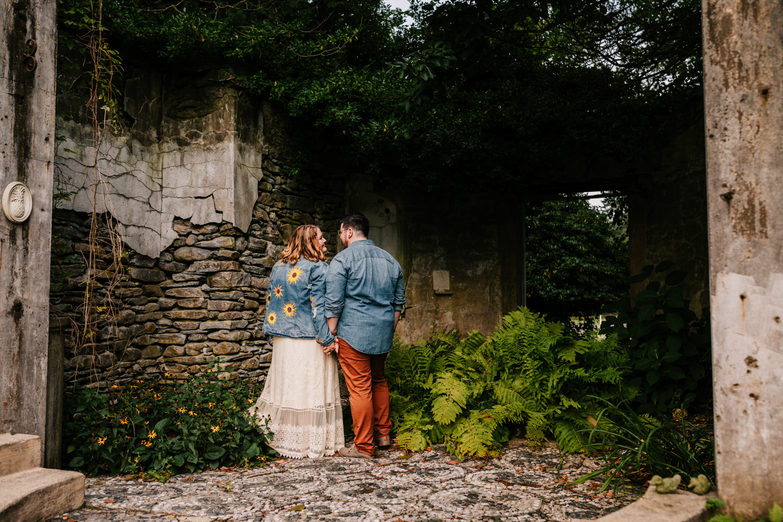 engagement-photographer-gwyn-careg-inn-connecticut-andrea-van-orsouw-photography-fun-adventurous-phoenix-photographer-natural-boston-1.jpg