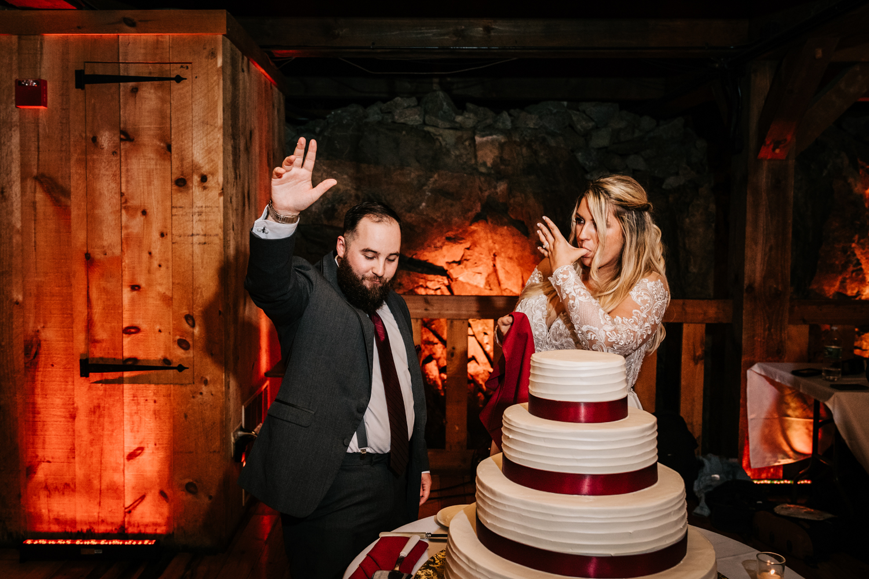 11. fun-albuquerque-boston-adventurous-wedding-photographer-phoenix-andrea-van-orsouw-photography-natural-red-lion-inn-5.jpg