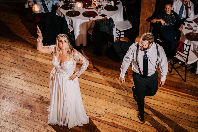 11. fun-albuquerque-boston-adventurous-wedding-photographer-phoenix-andrea-van-orsouw-photography-natural-red-lion-inn-10.jpg