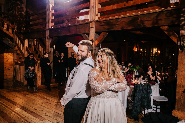 11. fun-albuquerque-boston-adventurous-wedding-photographer-phoenix-andrea-van-orsouw-photography-natural-red-lion-inn-11.jpg
