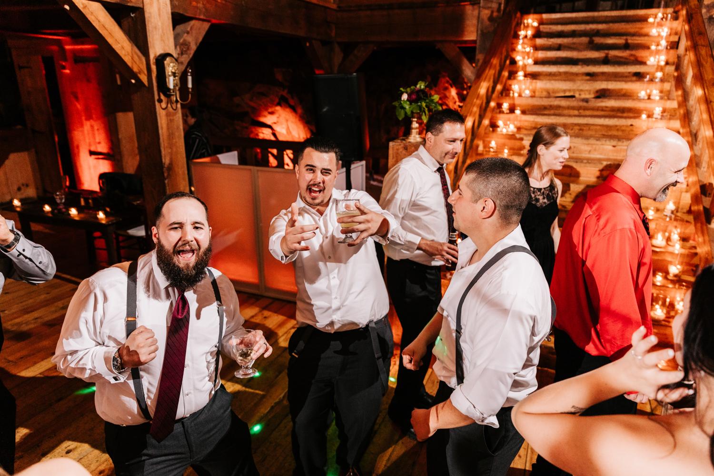 12. natural-wedding-photographer-boston-northeast-andrea-van-orsouw-photography-adventurous-southwest-fun-red-lion-inn-12.jpg