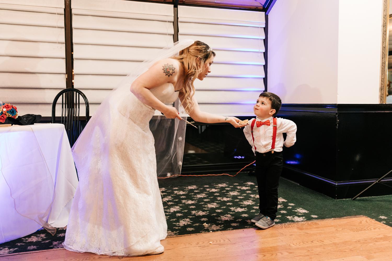 11. natural-wedding-andrea-van-orsouw-photography-fun-new-england-adventurous-santa-fe-photographer1.jpg
