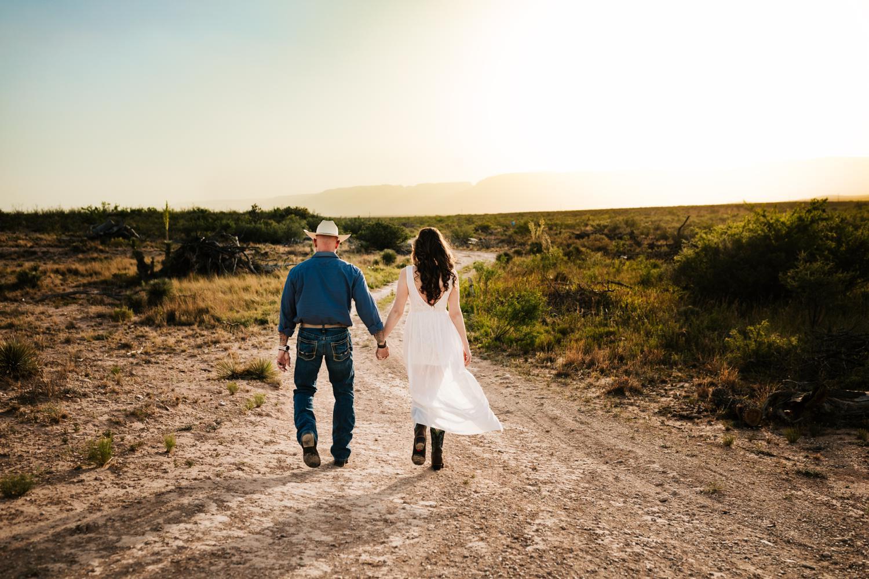 1. adventurous-new-mexico-fun-washington-ranch-carlsbad-wedding-photographer-natural-andrea-van-orsouw-photography3.jpg
