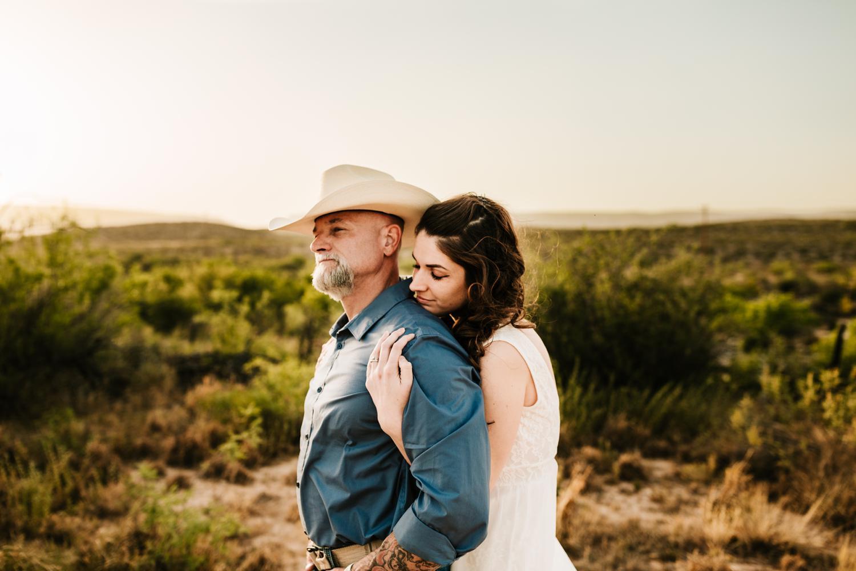 5. albuquerque-wedding-photographer-fun-adventurous-andrea-van-orsouw-photography-natural-carlsbad-washington-ranch-new-mexico1.jpg