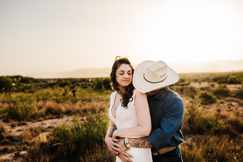 5. albuquerque-wedding-photographer-fun-adventurous-andrea-van-orsouw-photography-natural-carlsbad-washington-ranch-new-mexico3.jpg