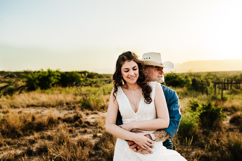 6. wedding-photographer-fun-new-mexico-natural-washington-ranch-carlsbad-adventurous-andrea-van-orsouw-photography1.jpg