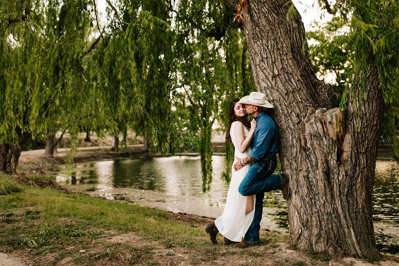 7. andrea-van-orsouw-photography-natural-albuquerque-fun-photographer-natural-new-mexico-carlsbad-washington-ranch-wedding3.jpg
