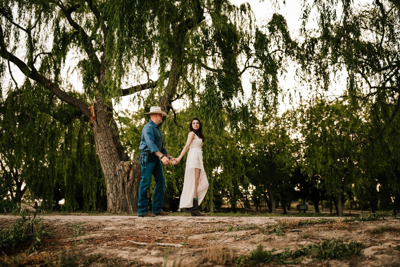 8. natural-wedding-andrea-van-orsouw-photography-fun-new-mexico-carlsbad-washington-ranch-adventurous-santa-fe-photographer1.jpg