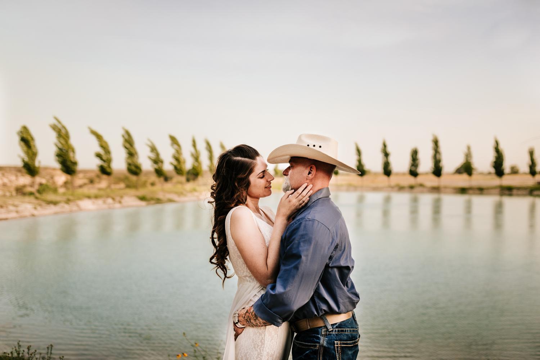 8. natural-wedding-andrea-van-orsouw-photography-fun-new-mexico-carlsbad-washington-ranch-adventurous-santa-fe-photographer3.jpg