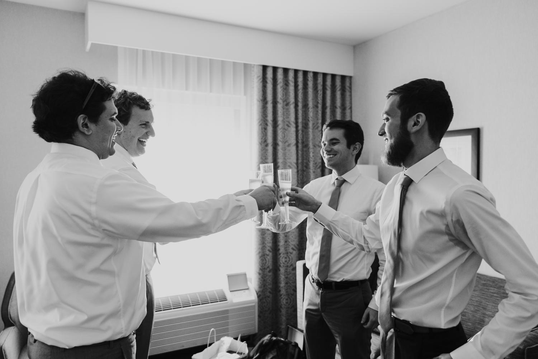 2. fun-santa-fe-wedding-adventurous-massachusetts-wedding-photographer-natural-andrea-van-orsouw-photography-decordova-musuem2.jpg