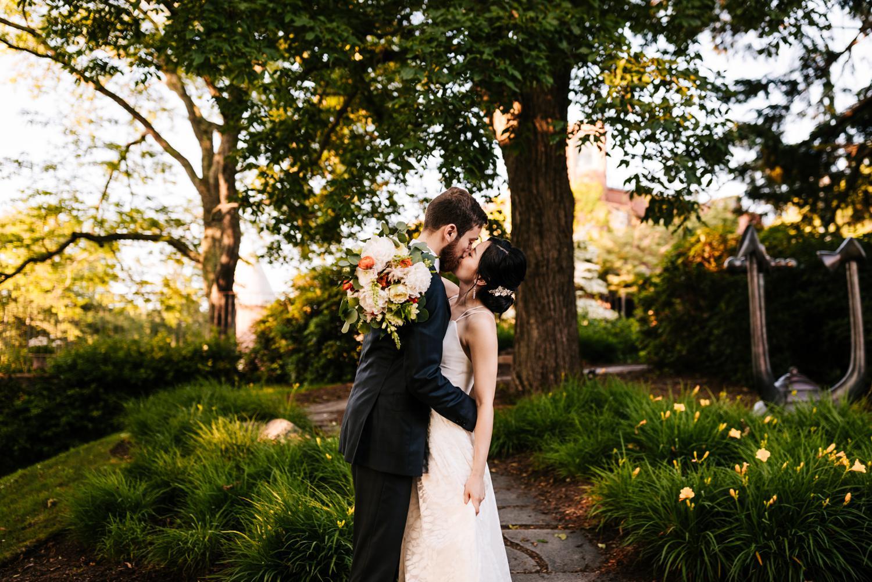 15. decordova-musuem-adventurous-boston-wedding-photographer-fun-southwest-andrea-van-orsouw-photography1.jpg