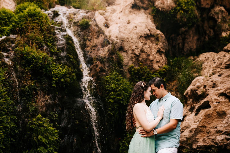 4. sitting-bull-falls-adventurous-engagement-photography-fun-albuquerque-wedding-photographer-andrea-van-orsouw-photography-carlsbad-new-mexico2.jpg