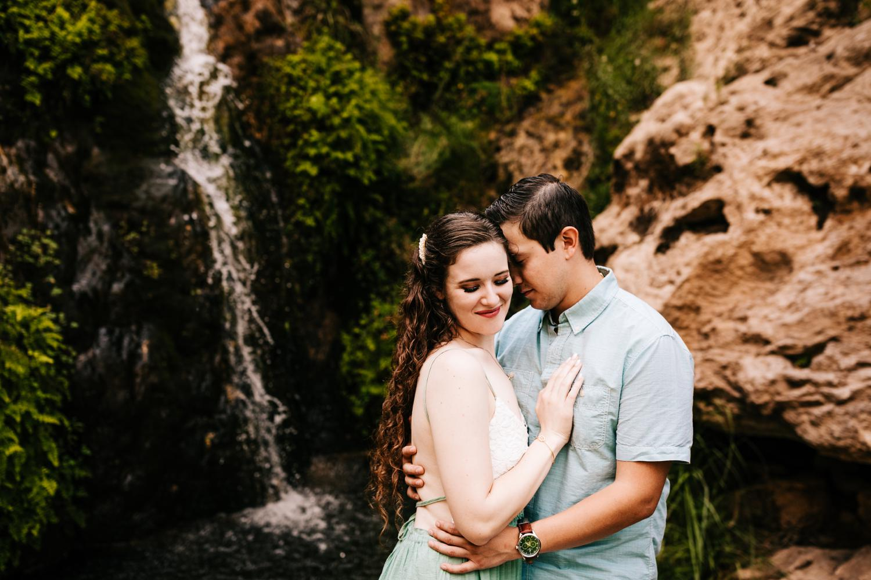 4. sitting-bull-falls-adventurous-engagement-photography-fun-albuquerque-wedding-photographer-andrea-van-orsouw-photography-carlsbad-new-mexico3.jpg