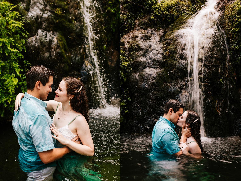 4. sitting-bull-falls-adventurous-engagement-photography-fun-albuquerque-wedding-photographer-andrea-van-orsouw-photography-carlsbad-new-mexico6.jpg