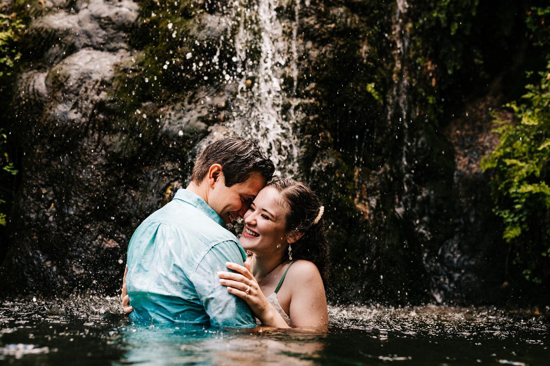 5. new-mexico-fun-natural-wedding-photographer-andrea-van-orsouw-carlsbad-new-mexico-engagement-sitting-bull-albuquerque-adventurous-santa-fe2.jpg