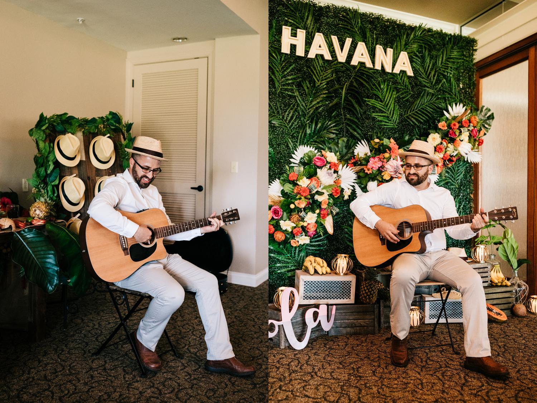 14. paradise-hills-golf-club-fun-wedding-albuquerque-new-mexico-natural-photographer-andrea-van-orsouw-photography-adventurous3.jpg