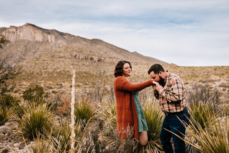 7. Andrea-van-orsouw-photography-natural-fun-wedding-photographer-guadalupe-mountain-adventurous-lubbock-albuquerque2.jpg