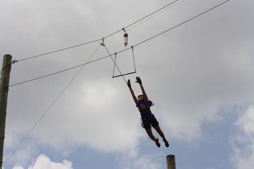 girl_jump.jpg
