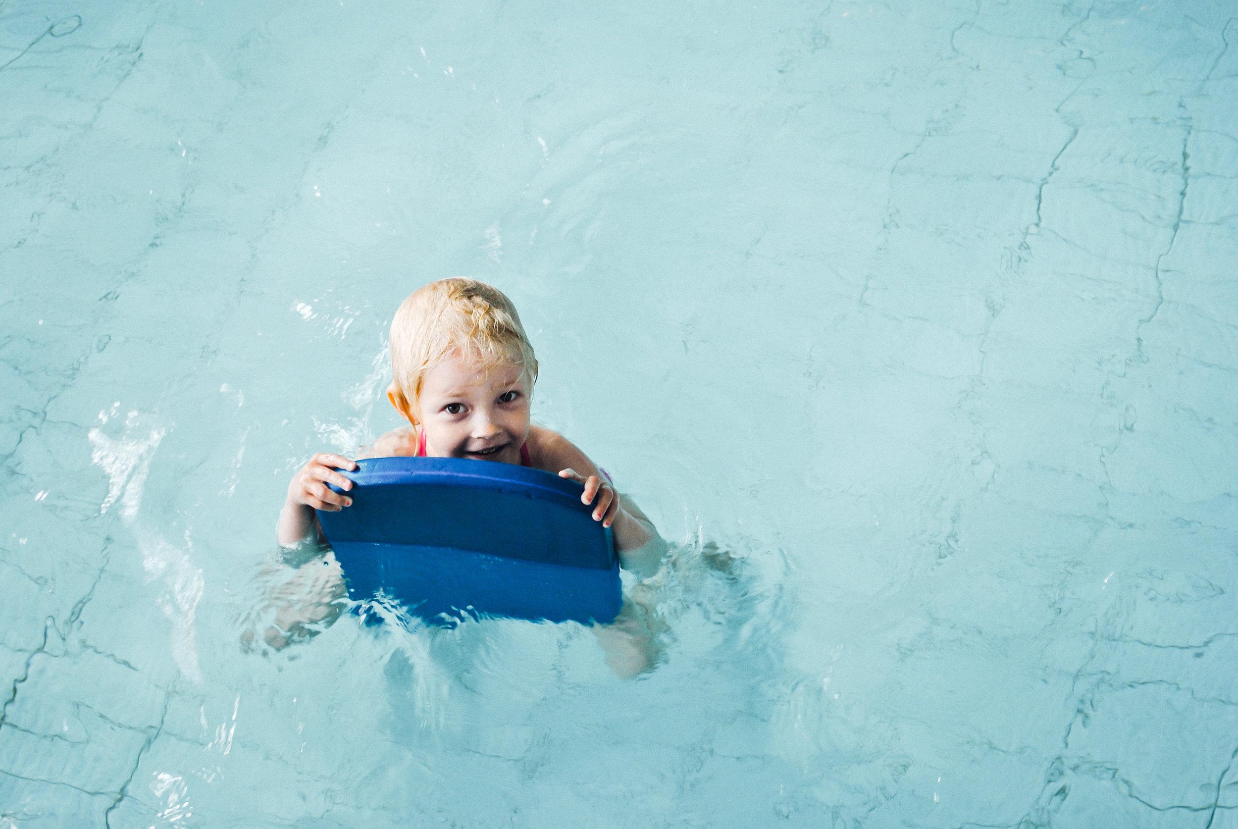 Lasten uimakoulut - 3 kerran lasten intensiiviuimakoulut järjestetään kesäkuussa. Vielä on aikaa oppia parempi uimataito kesälomien ajaksi.