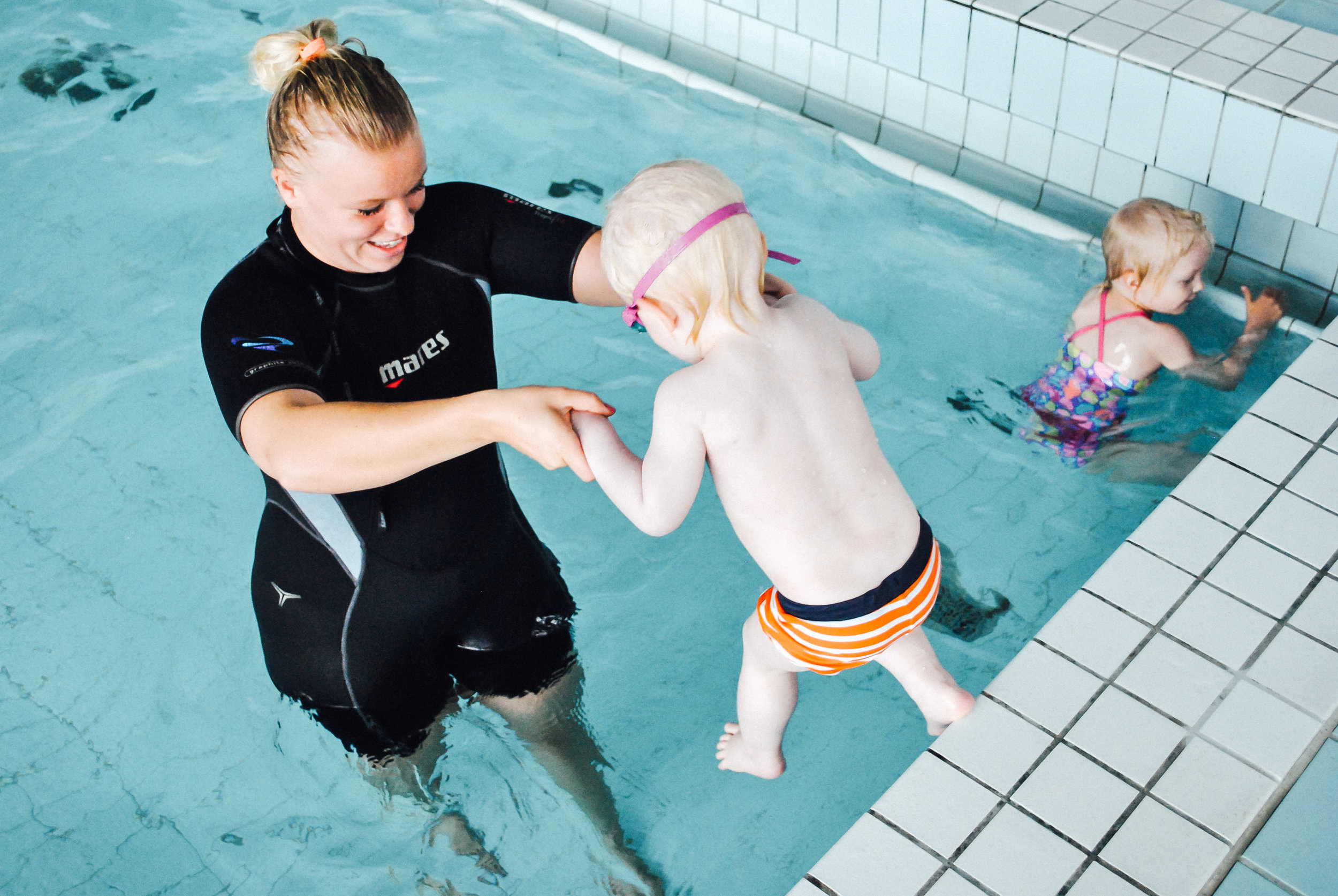 Lasten kesäleirit - Lasten kesäleirit järjestetään 4 kesää. Leirit ovat arkisin ma-pe klo 8.00-16.00. Uintia, liikuntaa, kädentaitoja ja mukavaa yhdessä oloa ala-asteikäisille lapsille!