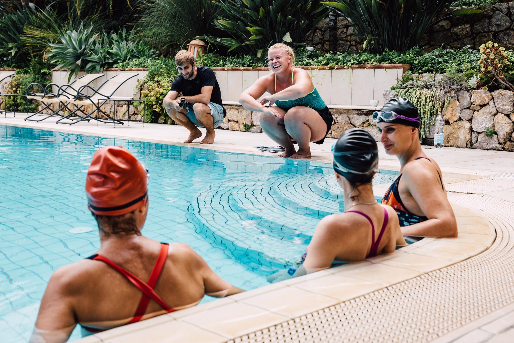 Aikuisten uintikurssit - Kesäkuussa järjestämme 3 kerran intensiivikursseja. Laajasta valikoimasta löydät kaiken alkeista perhosuintitekniikkaan.