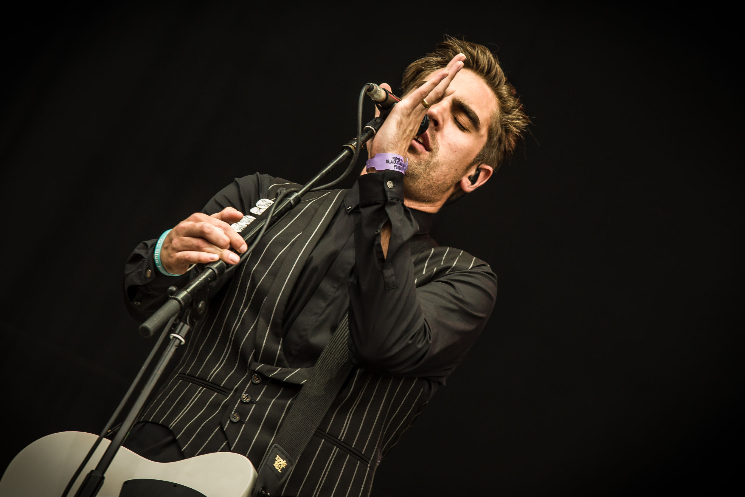 busted main stage fri-19.JPG