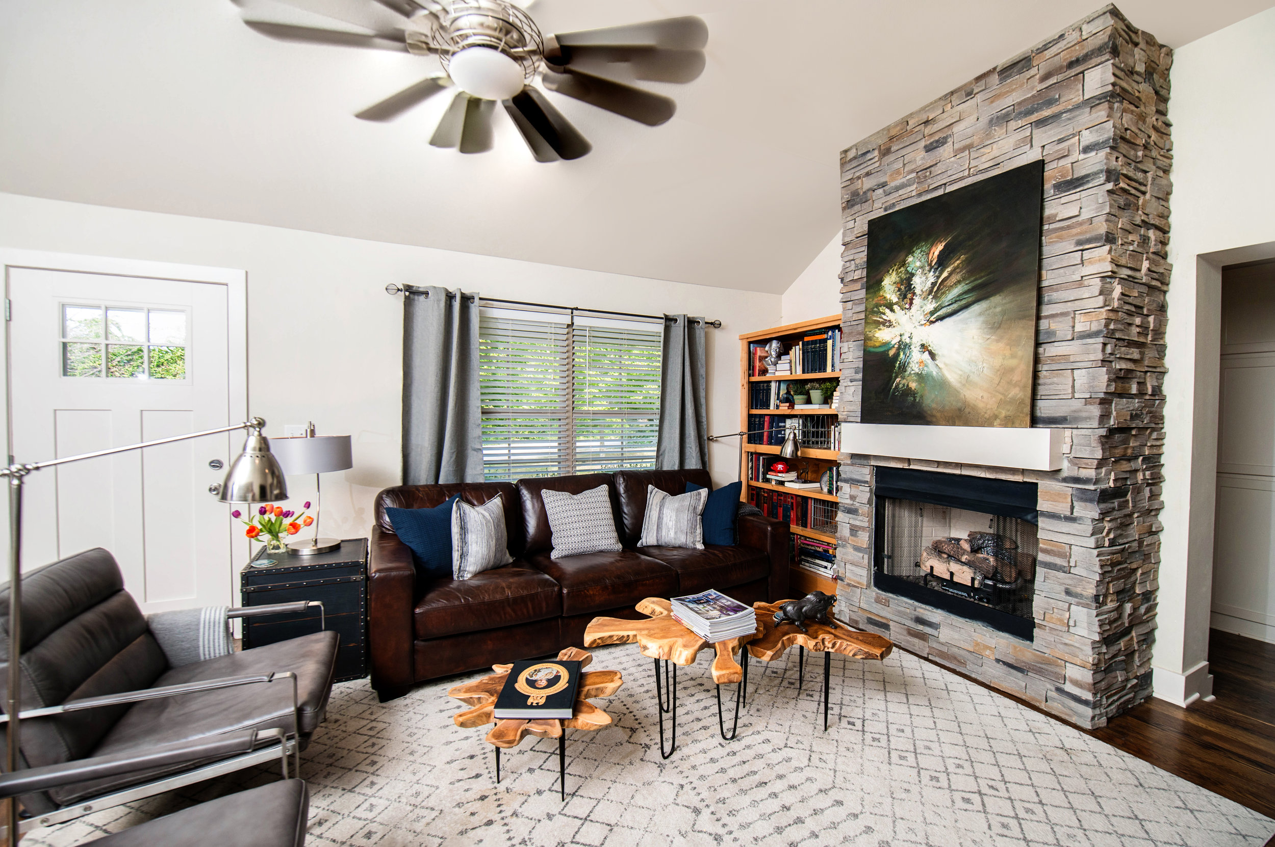 Living Room-4.jpg