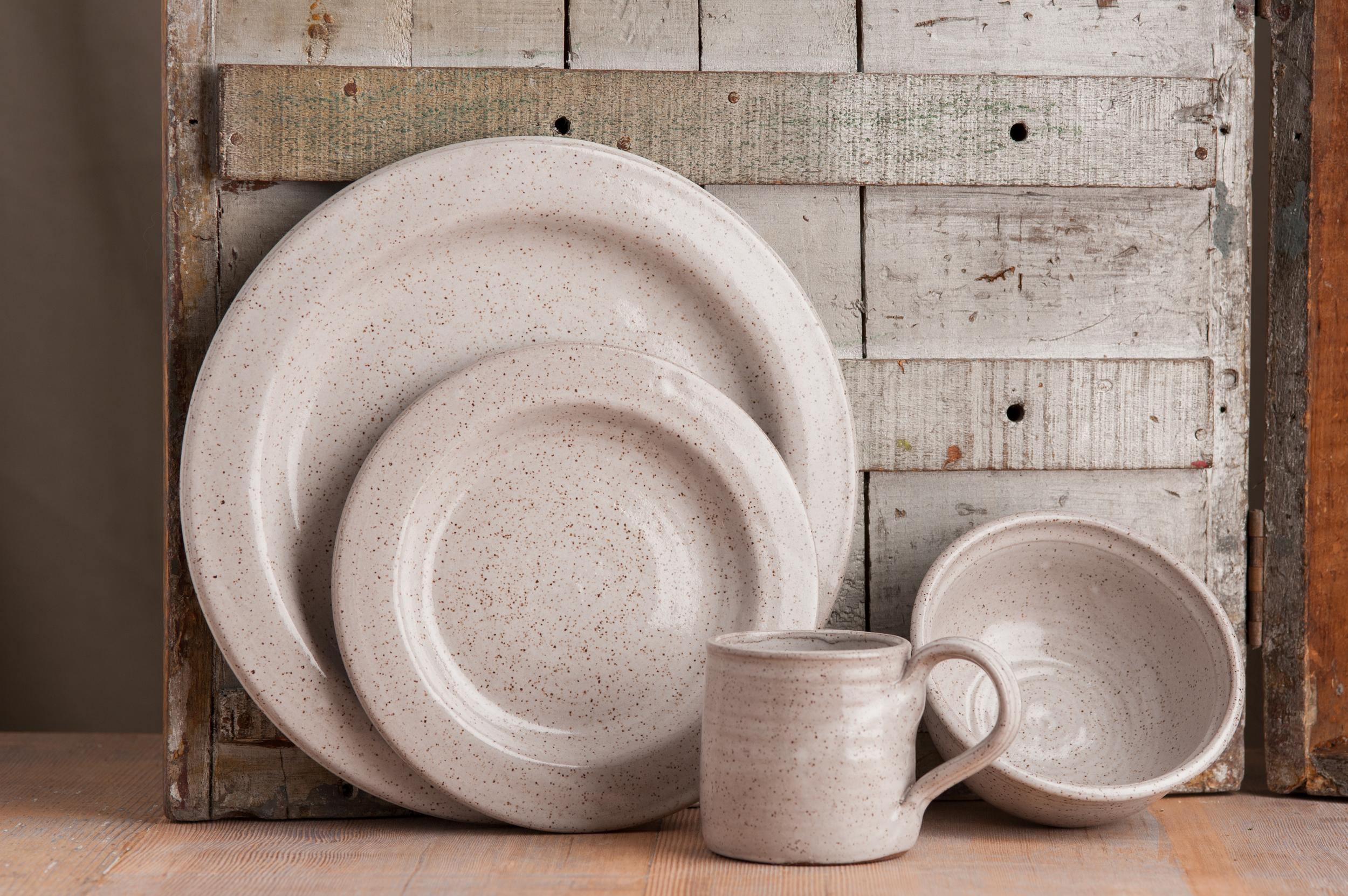 rustic_dinnerware_set