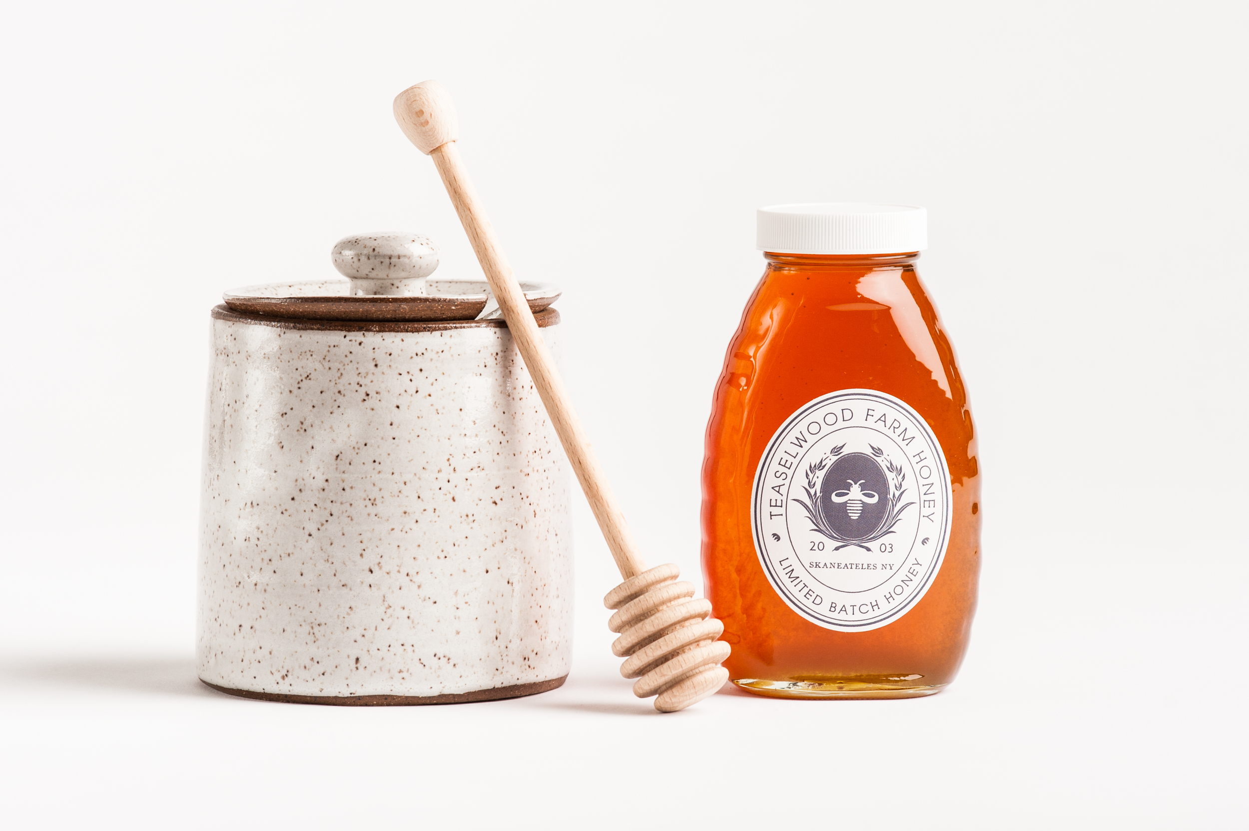 stoneware_honey_pot_and_dipper
