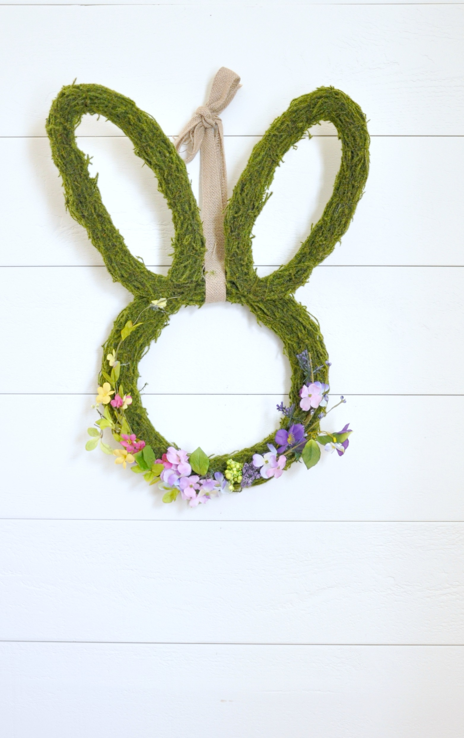 green_rabbit_wreath_with_flowers