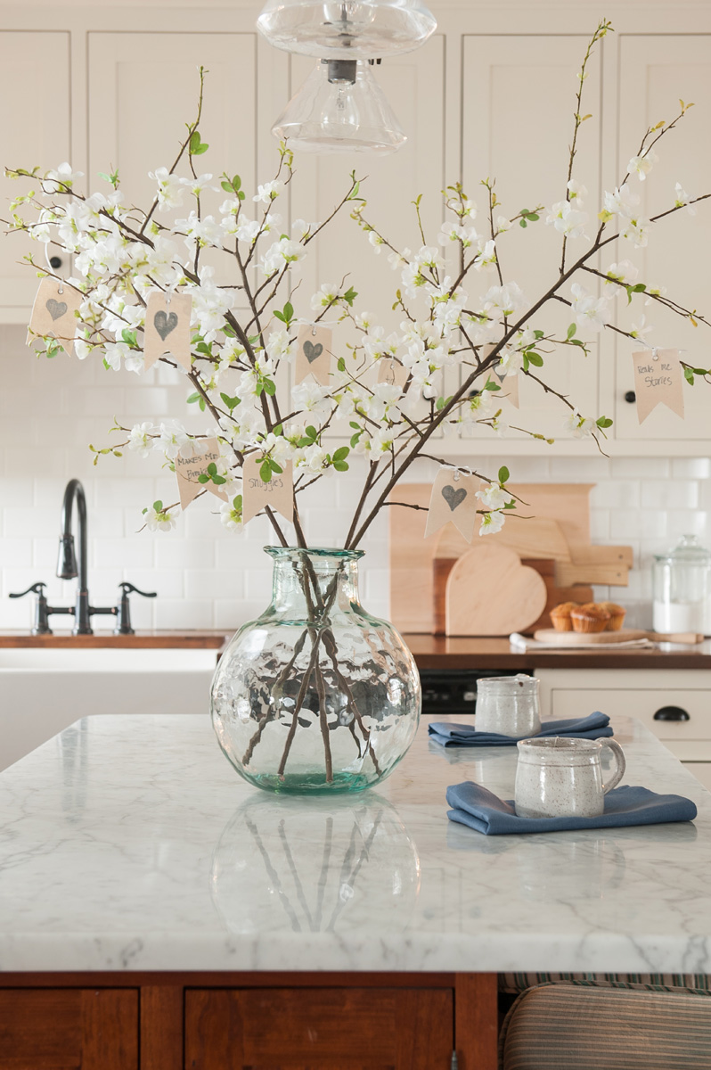 tree_with_vase_centerpiece