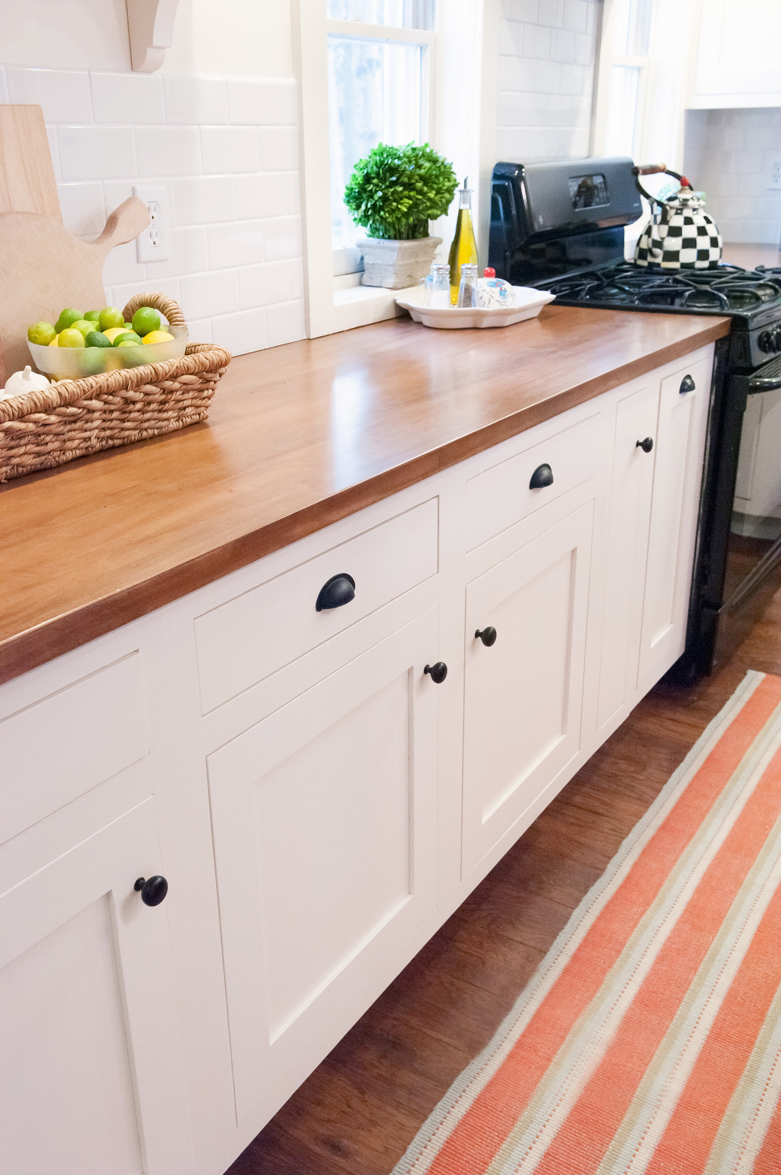 Cabinet Color Arcadia White photo by  Alice G Patterson  Photography for Teaselwood Design