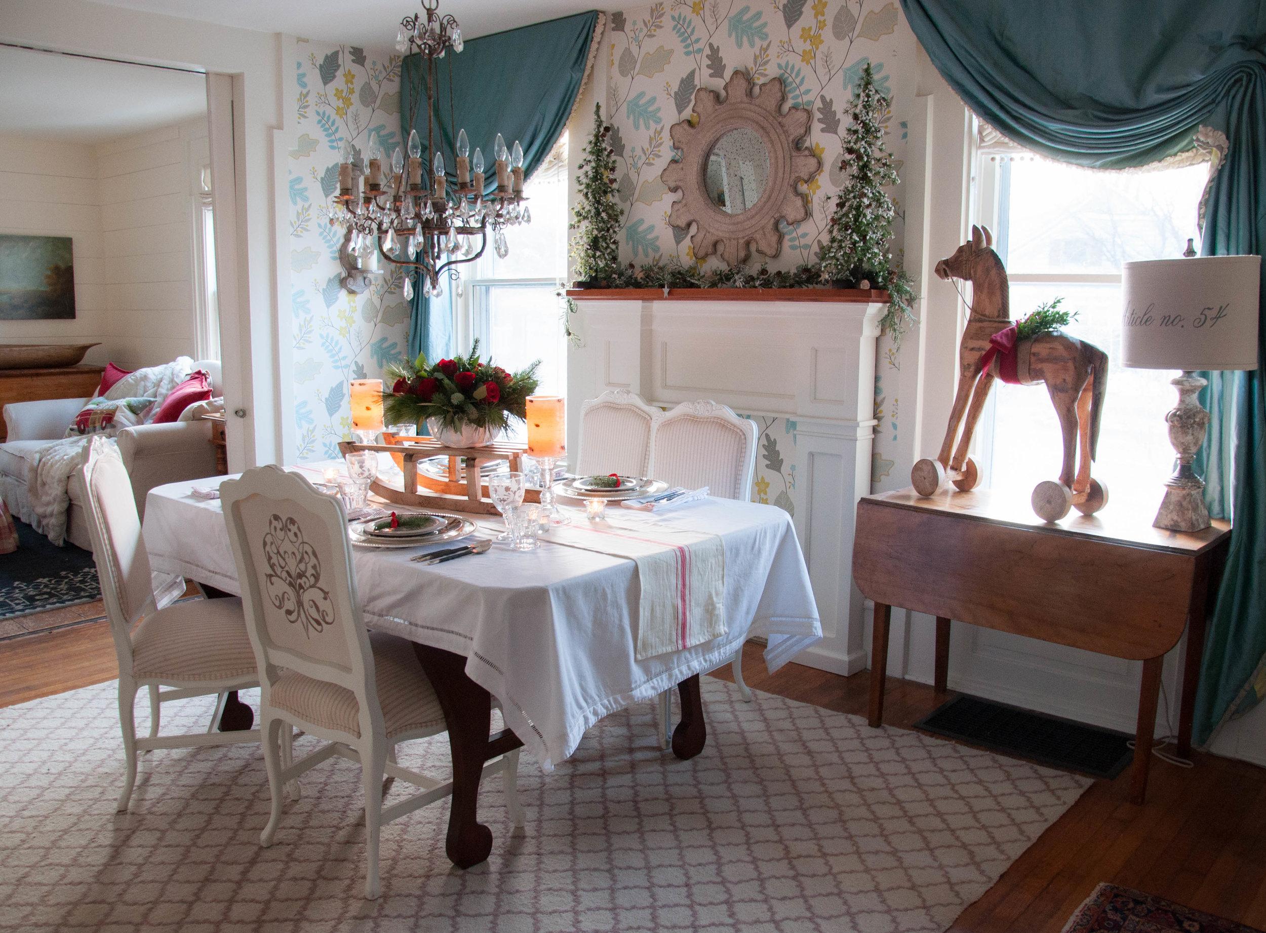 farmhouse-dining-room -Christmas