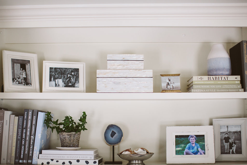 how-to-style-built-in-bookshelf